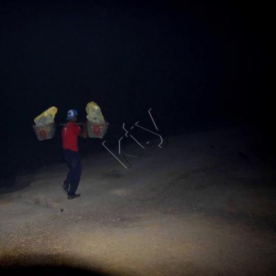 3h du matin les mineurs ont déjà leur lourde charge !!
