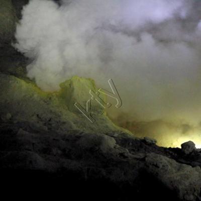 au coeur du cratère, impressionnant presque irréel !