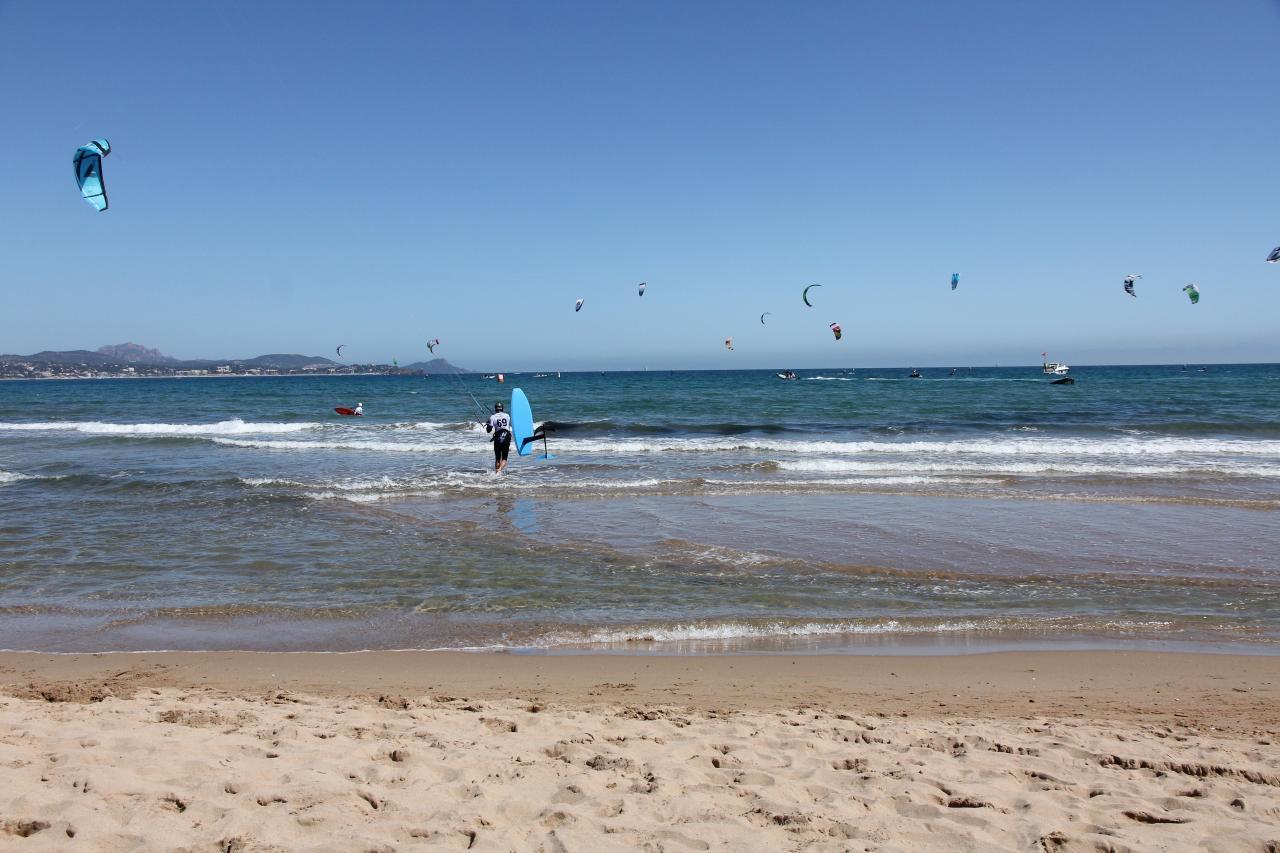 Bleu comme ... les voiles de kitesurf à Fréjus
