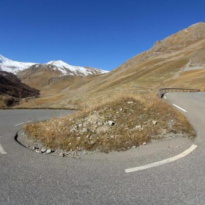 Désertique, lunaire ... presque personne sur cette route de montagne !