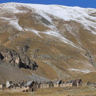 Le Camp des Fourches (casernement de montagne à 2 291m)