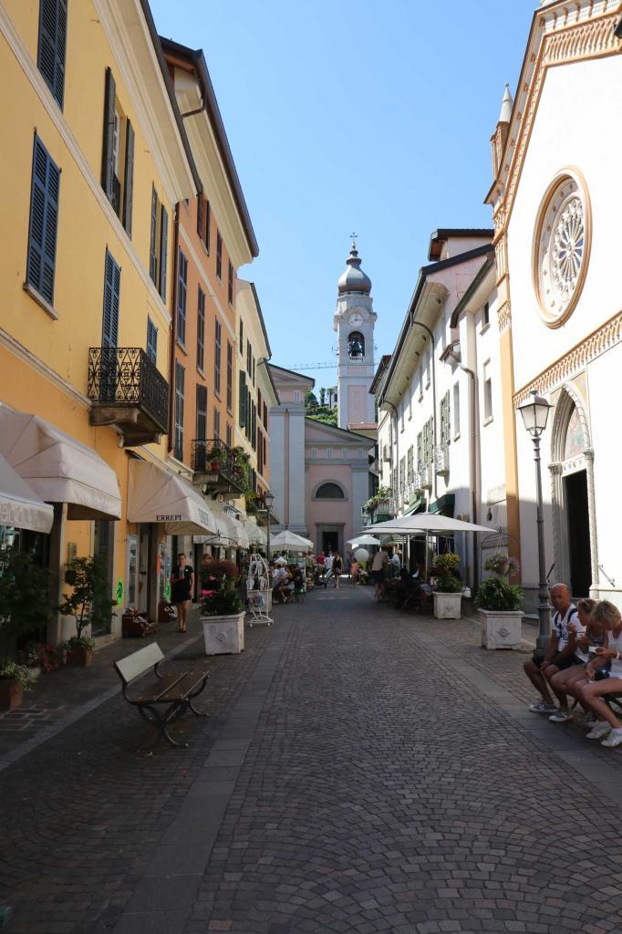 le vieux centre qui est divisé en 2 zones: partie haute, aux ruelles médiévales