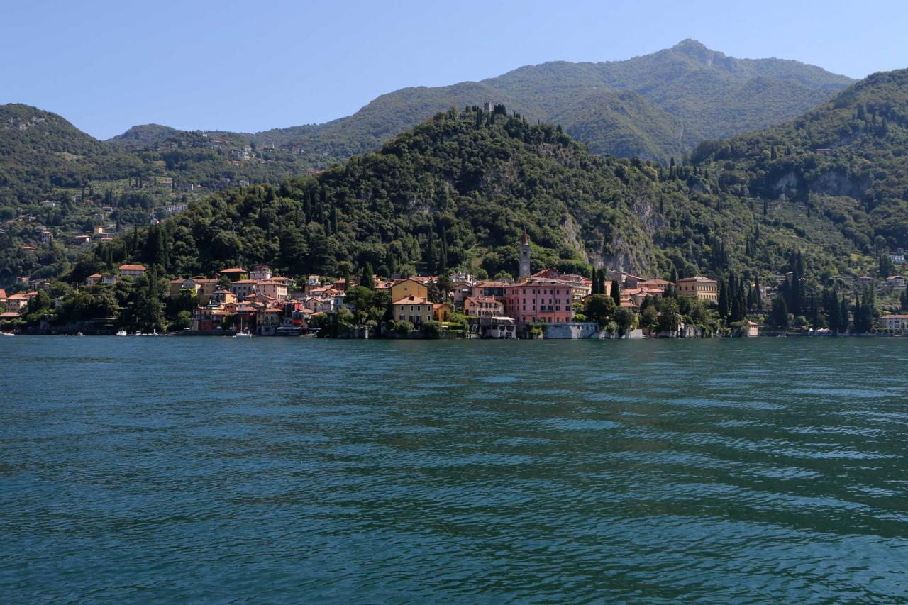 direction Varenna, petit port pittoresque