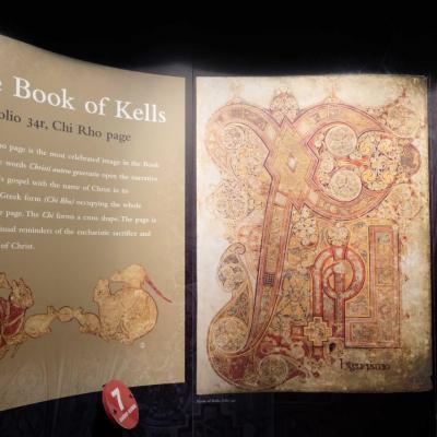le célèbre Book of Kells, un manuscrit médiéval,  trésor historique !