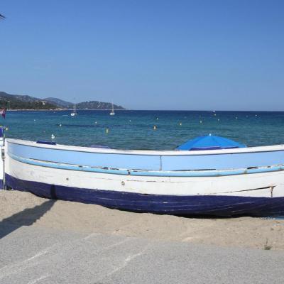 Bleu comme la barque de la plage St-Clair au Lavandou