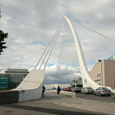 Le Samuel Beckett Bridge  telle une harpe géante