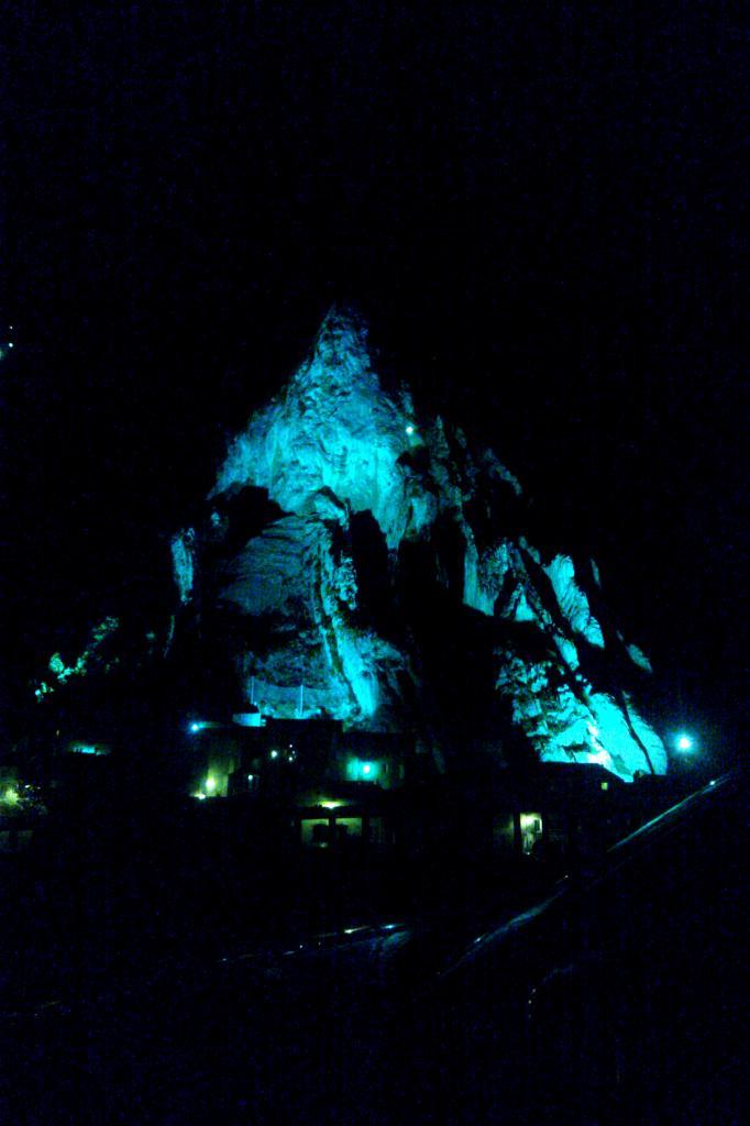 bleu comme ... La colline de Sistéron