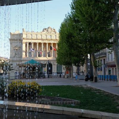 Marseille place de Gaulle non loin du vieux port et de la rue piétonne