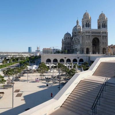 Marseille  (64)