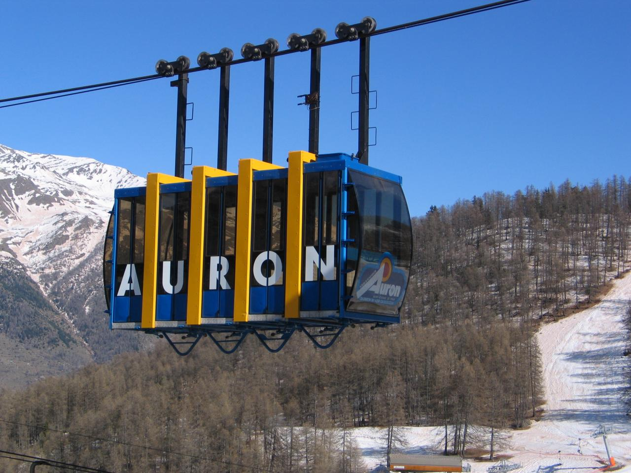 bleu comme ... le Téléphérique de Auron