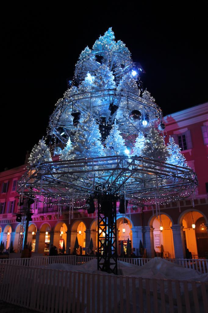 bleu comme ... les couleurs de la place Masséna (Nice) à Noël