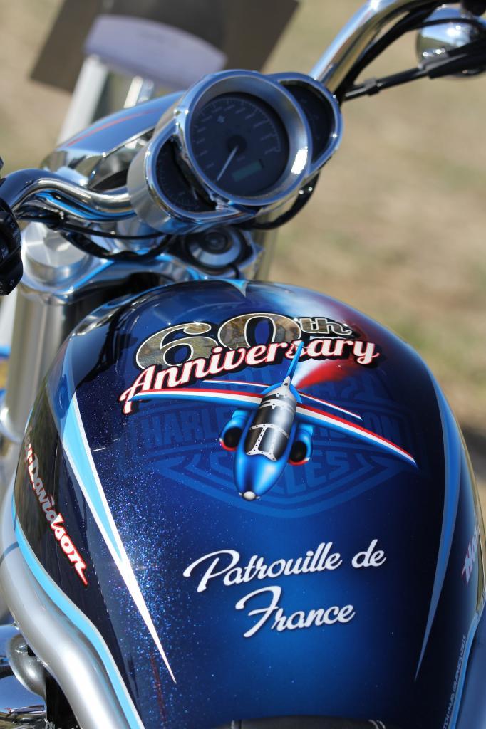 bleu comme ...la Harley unique des 60 ans de la Patrouille de France
