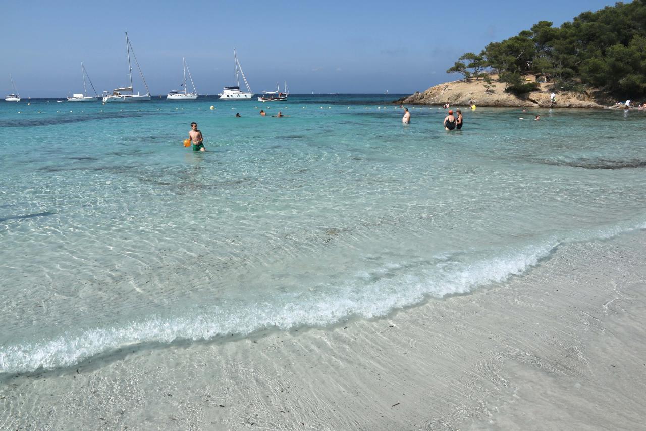la plage d'Argent avec le monde