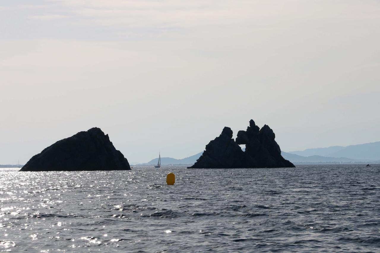 Cap des Mèdes au nord de l'île, mouillage règlementé ...