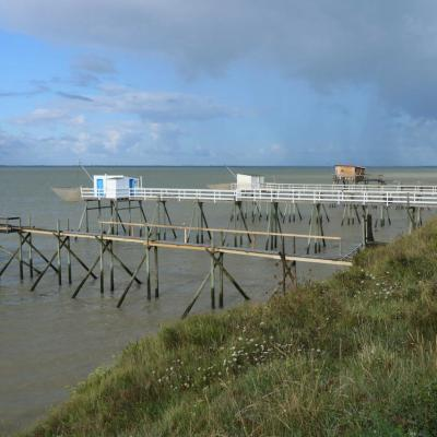 Port des Barques face à Fouras et relié par une passe à l'île Madame