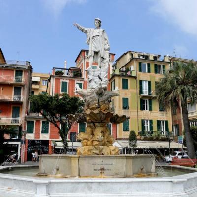 Christophe Colomb, fils de Gênes, pointe le doigt vers le nouveau monde