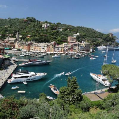 Beau point de vue sur Portofino, de l'église San Giogio