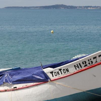 bleu comme ... La barque de TONTON à Cagnes sur Mer