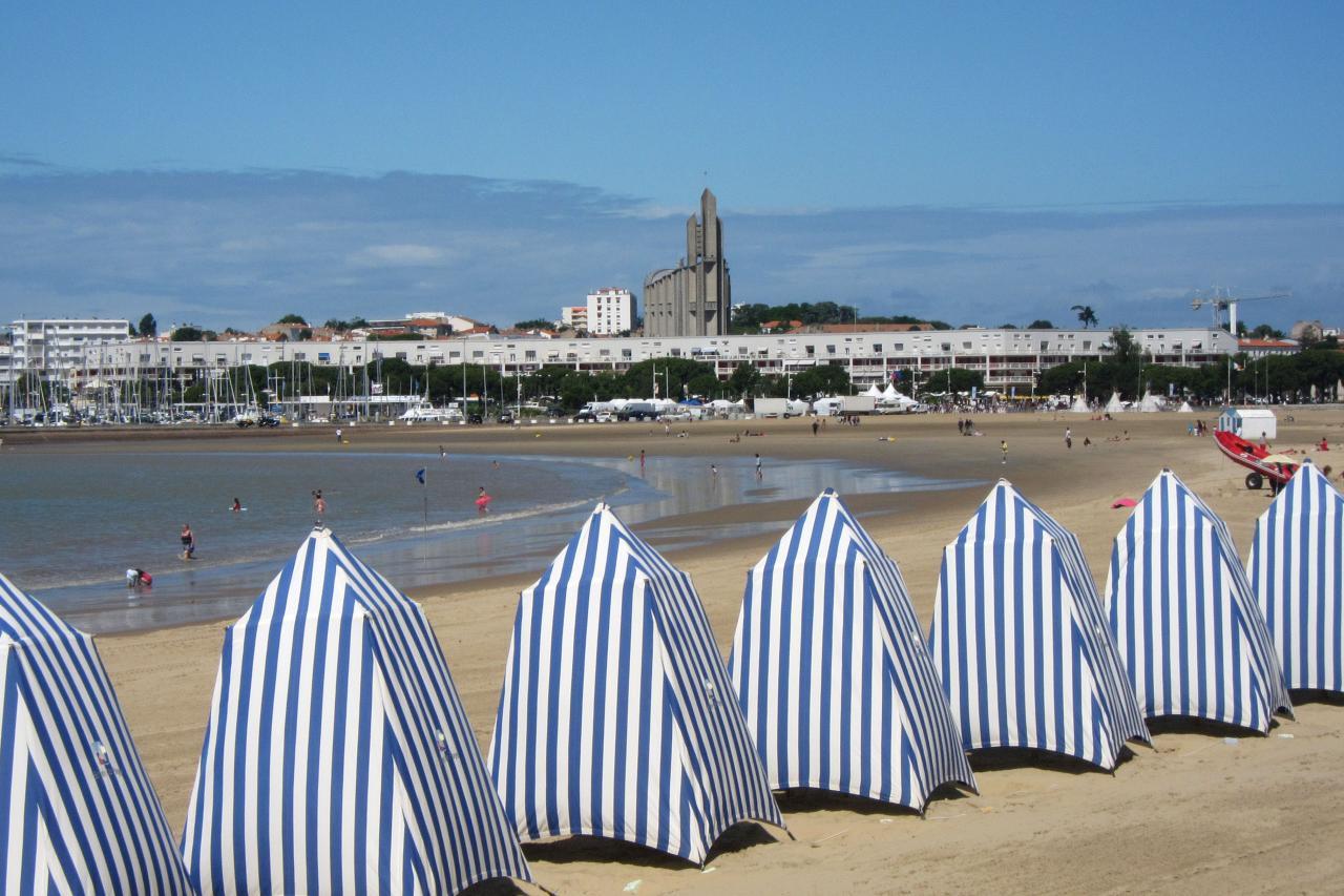 bleu comme ... les tentes de la grande plage de Royan