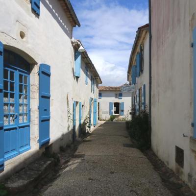 Bleu comme ... les maisons charentaises de Talmont sur Gironde