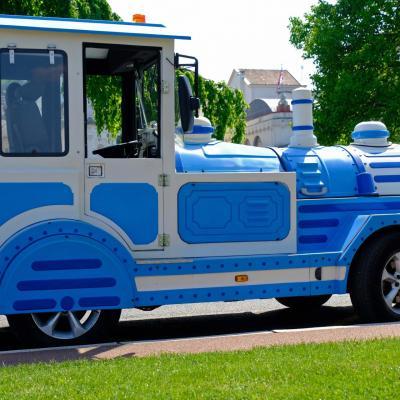 Bleu comme ... le petit train d'Evian (Lac Léman)
