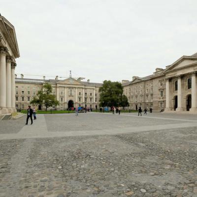 Trinity College, fondé en 1592 par la reine Élisabeth Iʳᵉ