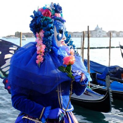 Bleu comme ... ce costume au carnaval de Venise 2018