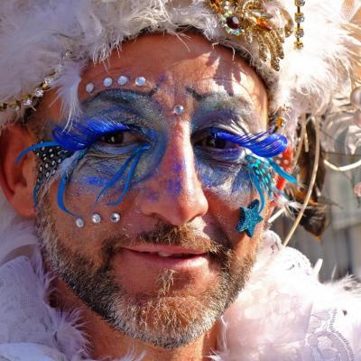 Bleu comme ... les cils de ce maquillage au carnaval de Venise 2018