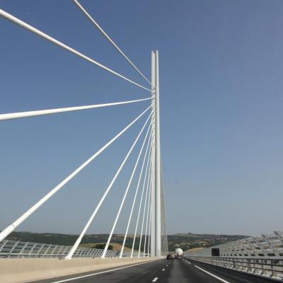 Le Viaduc de Millau long de 2460m