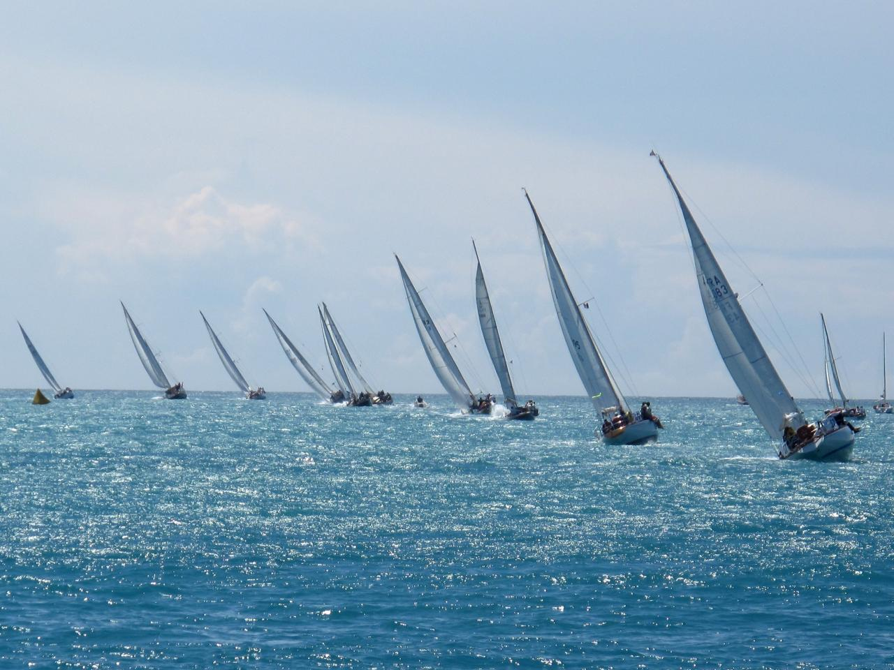 bleu comme ... les voiles d'Antibes