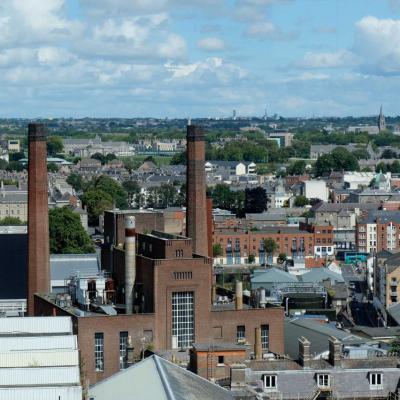 vue panoramique sur Dublin et une partie de l'usine Guinness
