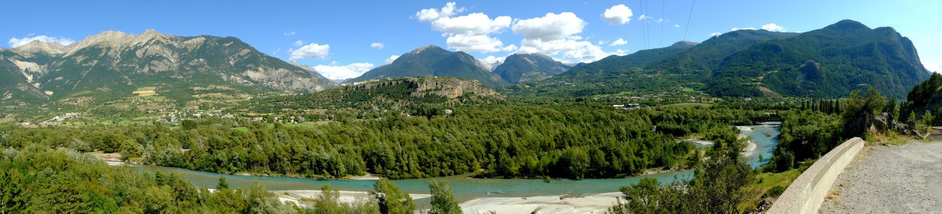 Mont-Dauphin côté Réotier, la Durance