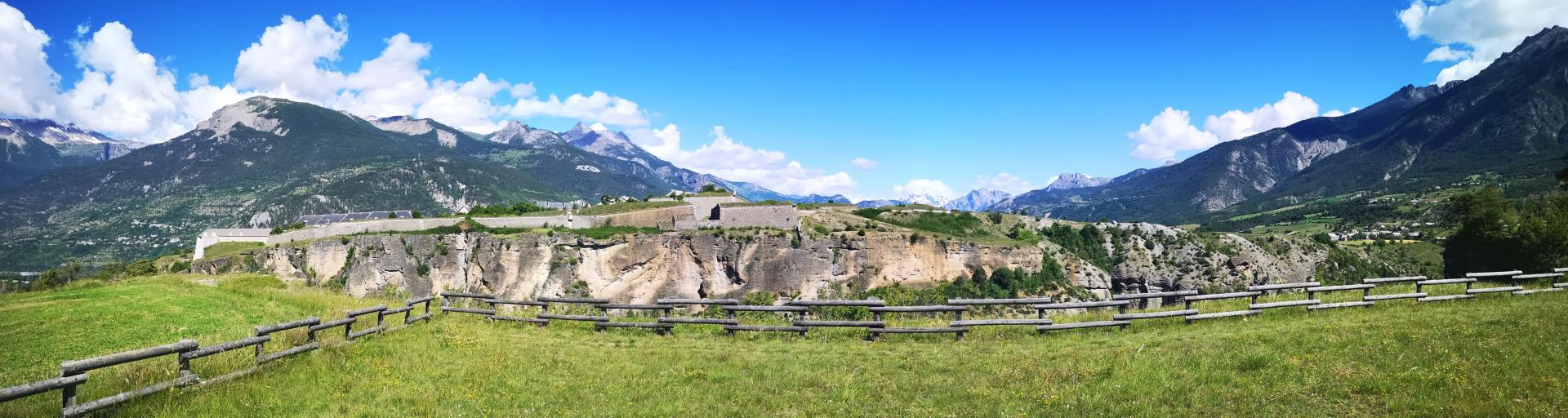 Mont-Dauphin vu du Plateau du Simoust (côté Guillestre)