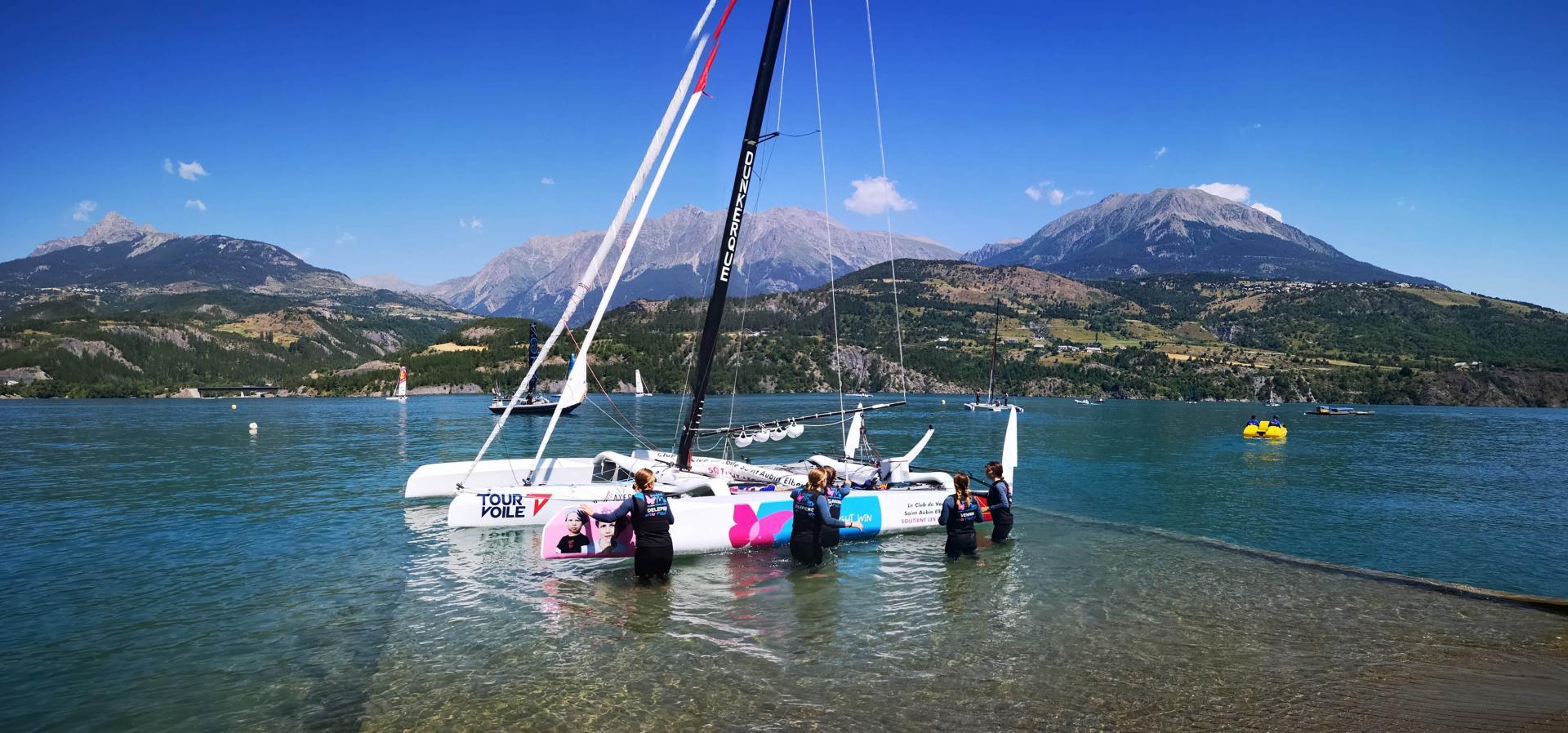 Mise à l'eau équipage féminin